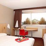 Chambre à grand lit (180*210cm) plus un lit simple (80*180cm)