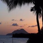vue de la piscine le soir au coucher de soleil !
