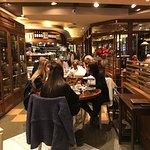 Photo of Confiteria & Restaurant La Vicente Lopez