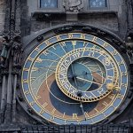 Rathaus und astronomische Uhr (Orloj) Foto