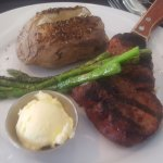 Filet mignon, asparagus & baked potato