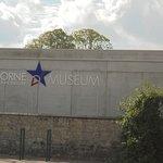 devant le musée