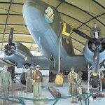 l'avion Dakota ayant participé aux largages sur Sainte Mère Eglise