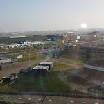 Bad photo from an Airport view room
