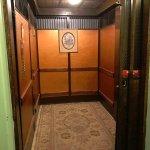 1927 self-operated elevator