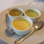 Ajies de la selva, salsa ocopa (verde) y salsa huancaina (amarillo)