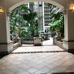 Photo de Embassy Suites by Hilton San Francisco Airport - South San Francisco