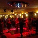 salon de baile , muy bonito y muy amables los camareros y musica muy buena