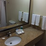 Photo de Holiday Inn Express Hotel & Suites Pueblo North