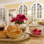 Help yourself to freshly baked scones, cookies, and other treats at our coffee & tea bar.