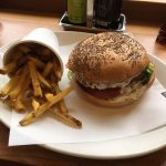 Burger with caramelized onion (for 5 hours)