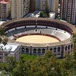 Vue du chemin de ronde vers les arènes de Malaga (La Malagueta).