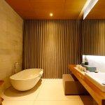 One Eleven | Bathroom