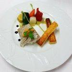 Aïoli, poisson vapeur au coulis d'ail noir et frites de polenta et légumes de saison