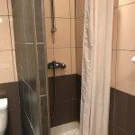 Chambre et salle de bain de la N'2