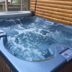 Hot tub - for 4