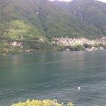 Вид из номера на озеро Комо