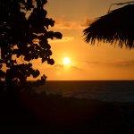 Puesta de sol en la playa zona Royal