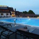 Swimming pool (heated)