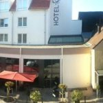 Ein Teil des Hotels mit Restaurant, Bar und Lounge