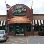 Bennigan's store front