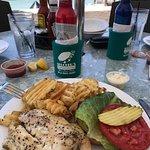 Shuckers Dockside Bar & Grill Foto