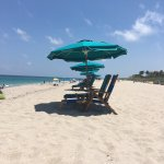 Can rent beach chairs with large umbrella