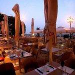 cosmopolitan restaurant bar cafe aristotelous