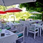 Der Gastgarten im Schlosswirt