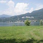 Lungo Lago Bosisio Parini a soli 5 minuti a piedi dal nostro hotel