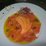 Saumon mariné et éventail de Melon
