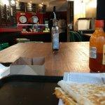 Quesadillas végétarienne et au poulet, petite sauce maison.