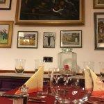 Notre adorable petite salle et ses tableaux...