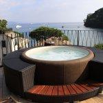 """Vasca idromassaggio ad uso esclusivo,con supplemento,per gli ospiti della camera """"Paradise"""""""