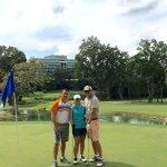 Hermoso campo de golf de 18 hoyos