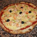 La crevette : Tomate, Fromage, Crevettes, Olives