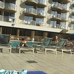 Photo de Aston Waikiki Beach Hotel