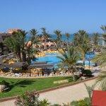 terrasse piscine et bord de mer
