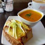 Riverside Cafe Foto