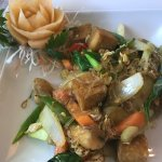 Tofu with glass noodles and crunchy veg