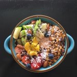 Delicious smoothies, bowls, and incredible presentation!