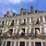 dragons automates en façade de la maison