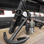 the boys with the giant anchor