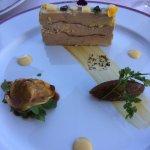 entrée, foie gras maison et raviole de volaille