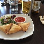 1 starter chicken samosa and 2 mains - Thai green curry and a prawn and asparagus dish all top m