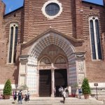 The fcade of Chiesa di Sant'Anastasia is very beautiful