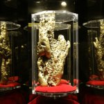 bigest gold nugget on display in hotel