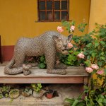 Na Bolom guardian jaguar in courtyard