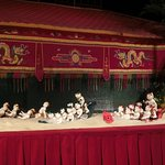 Golden Dragon Water Puppet Theater Foto