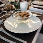 le tartare de st jacques et tuiles aux olives